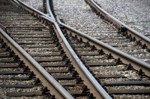 14297786-las-vias-del-tren